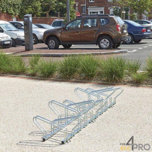 Range 10 vélos au sol face à face