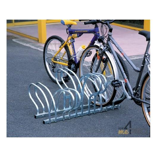 Range 6 vélos au sol face à face