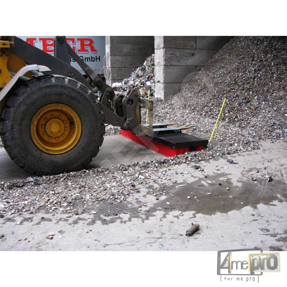 Balai pousseur pour matériaux de construction